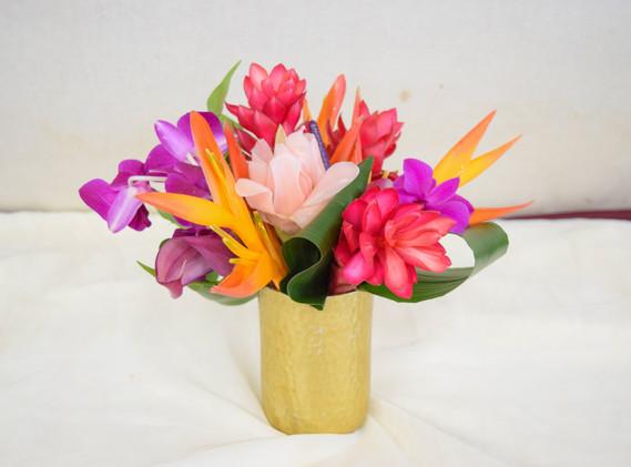Small tropical arrangement