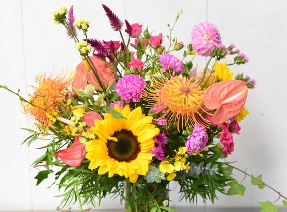 Medium spring mix arrangement