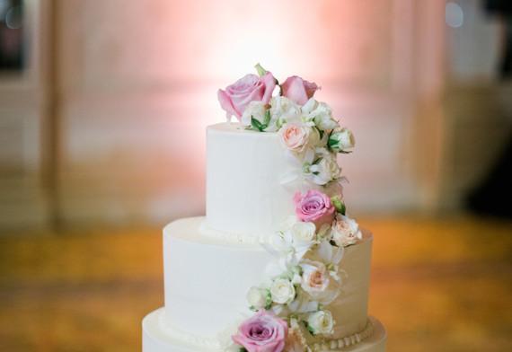 Cake flowers in pastels