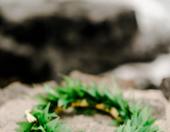 All-green foliage lei po'o