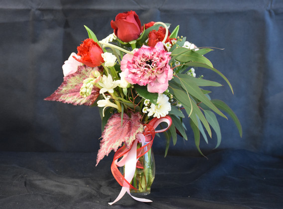 Small spring vase arrangement