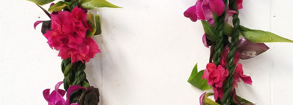 Ti leaf with tucks of flowers