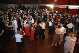 Baile de confraternização - Casais se divertindo - Dança de Salão na mooca