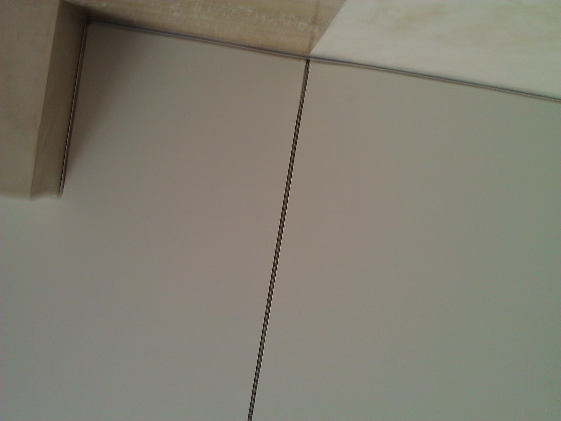 разделитель натяжной потолок