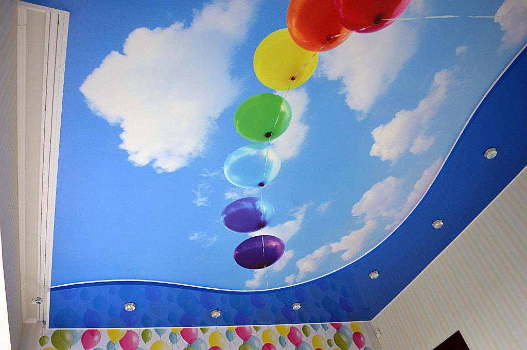 фотопечать на натяжном потолке
