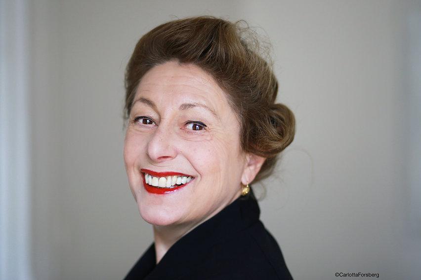 Jeanne Ferron portrait 1 Carlotta Forsbe