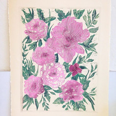 I finally got to play with some color on my peony print yesterday 🌸 #printmaking #print #ink #flowers #floral #botanical #illustration #peon