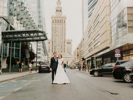 Sesja ślubna w klimacie miejskim w Warszawie