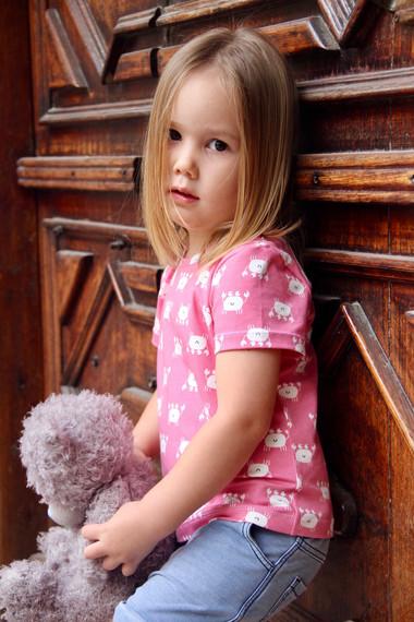Elm Tee - Elise - Portrait 1.jpg