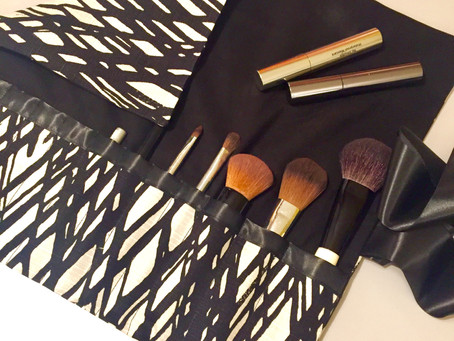 How to ... sew a make-up brush roll