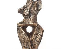 Suzy Costello Artist bronze sculpture