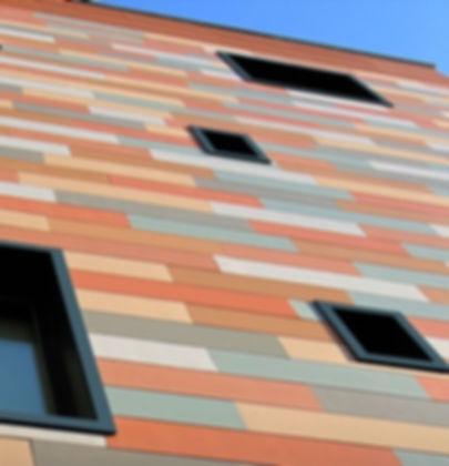 Сграда с индивидуални панели