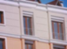 Сграда с етажен разделител