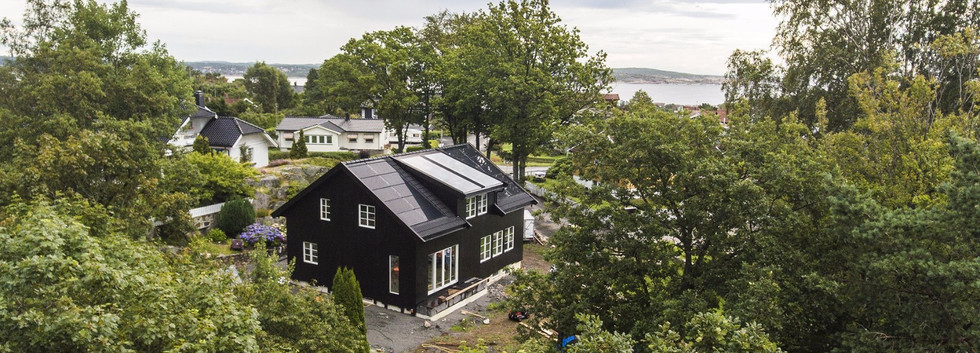 Project-SOLRIF-SunNet-Black-House-5.6kW.