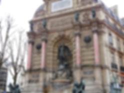 fontaine-saint-michel.jpg