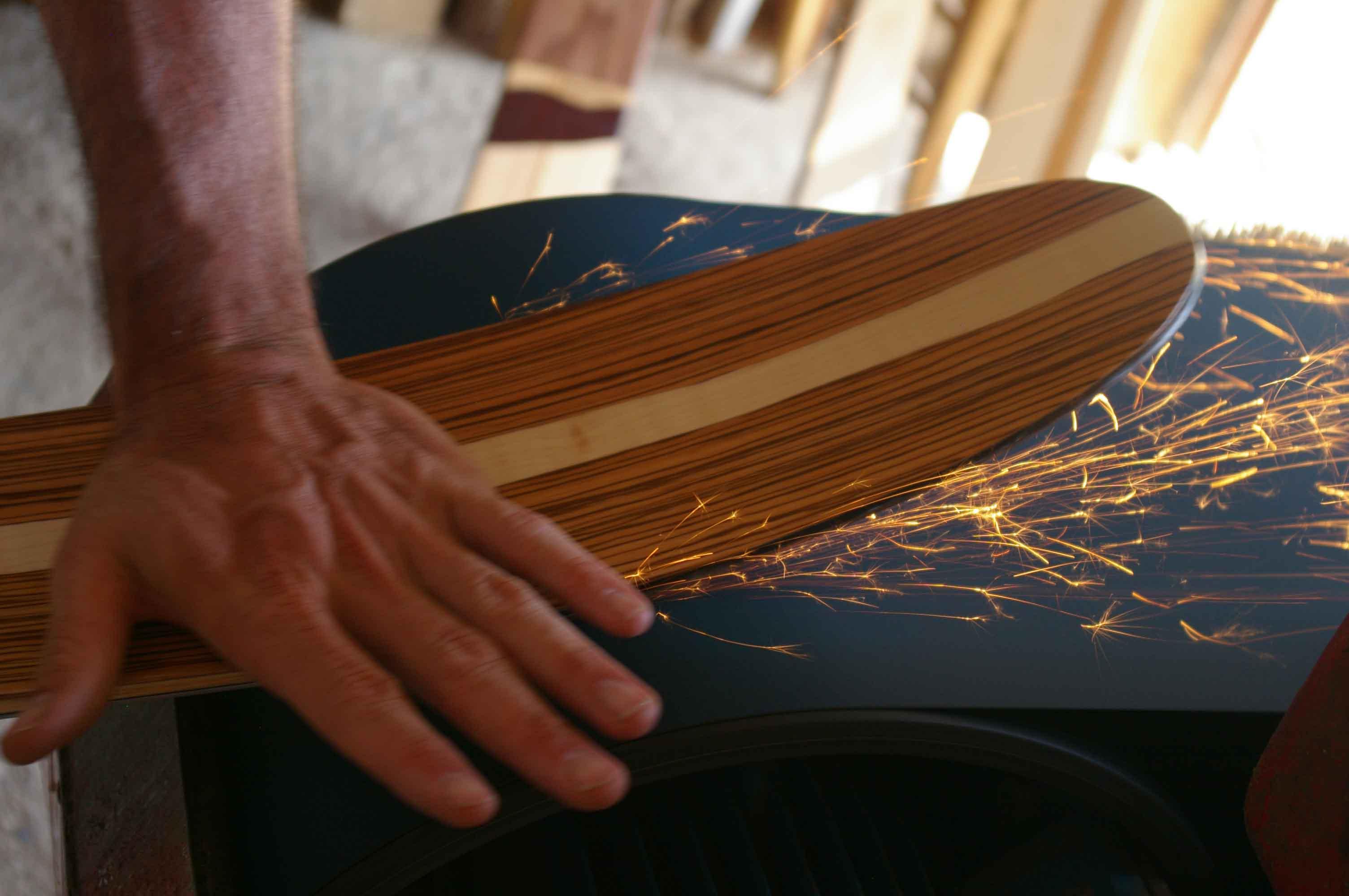 001 Amon Dava ski bois atelier ponceuse