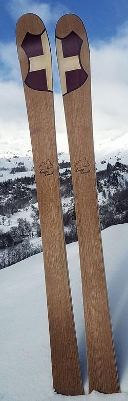 Amon Dava ski bois croix de savoie