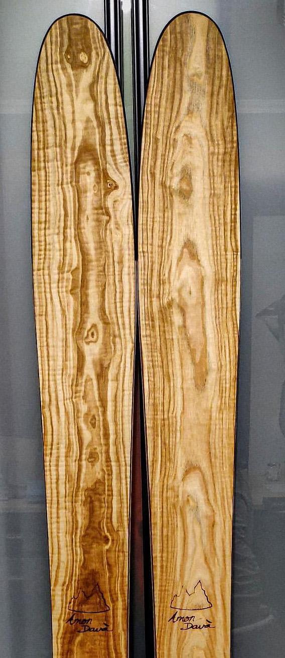 Amon Dava ski bois frene olivier alban