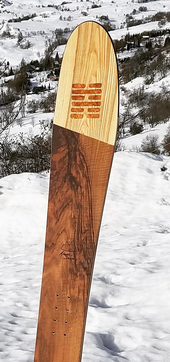 Amon Dava ski bois hexagramme