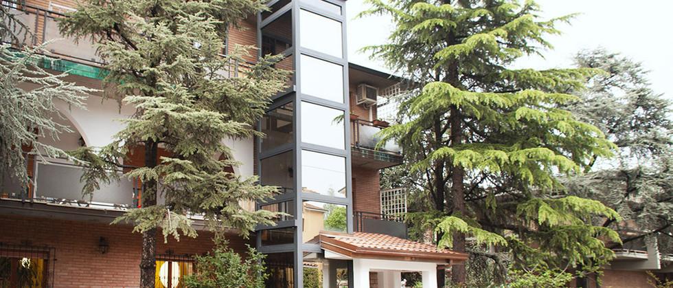Indomo-outdoor homelift.jpg