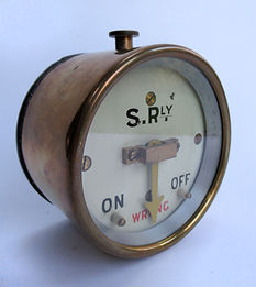 SR Brass Cased Signal Repeater_01