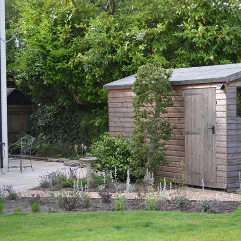A new, larger shed in oak