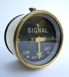 SR Brass Cased Signal Repeater_03