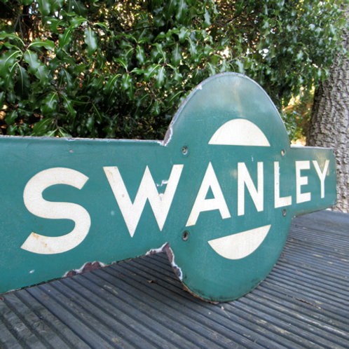Southern Railway station target sign Swanley