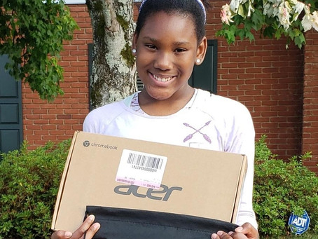 WIT Young Leaders Earn Digital Devices from Black Alabamians for Education