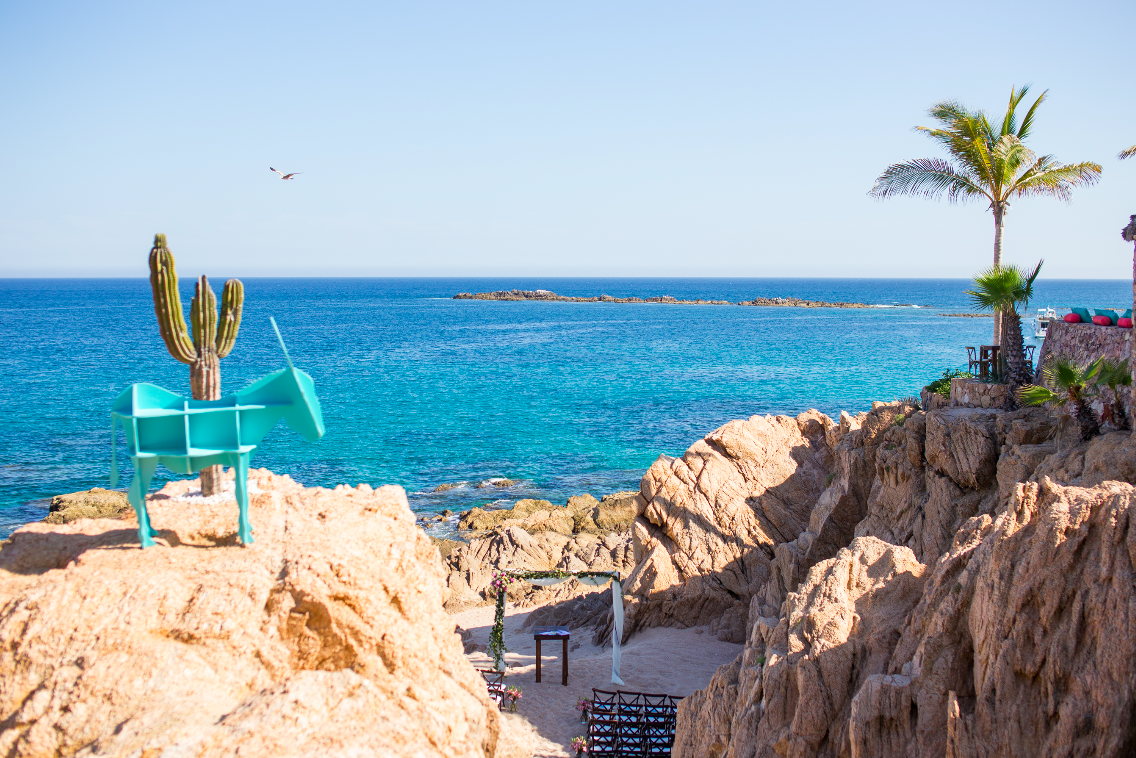 Beach destination wedding in Cabo