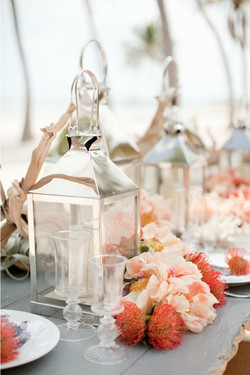 Centerpieces in pink and silver