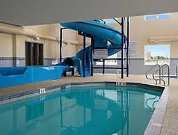 Days Inn Pool.jpg