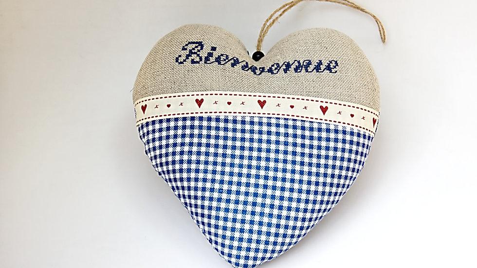 """Coeur Brodé Main """"Bienvenue"""" Bleu Petits carreaux"""