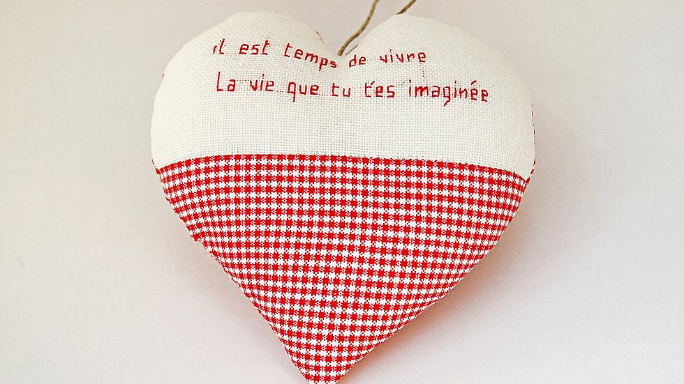 """Coeur Brodé main citation """"Vivre"""""""