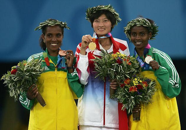 Huiani, Dibaba et Tulu ou le podium 2004 du 1000m