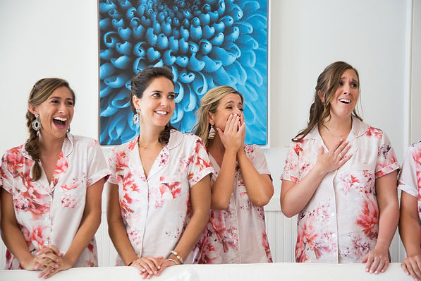 Bridesmaids reaction to beautfiul bride