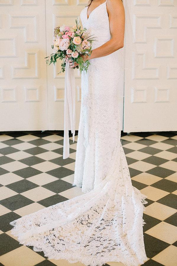simple florals wedding flowers