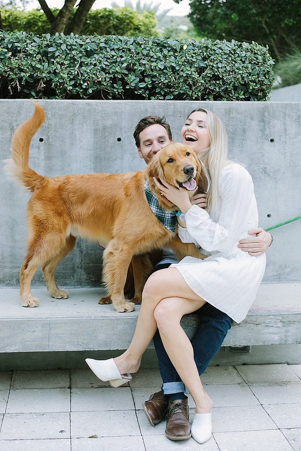 Engagement Photos ideas with dogs