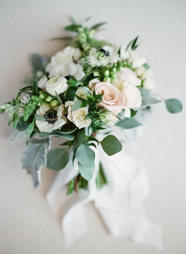 signature florals bridal bouquet
