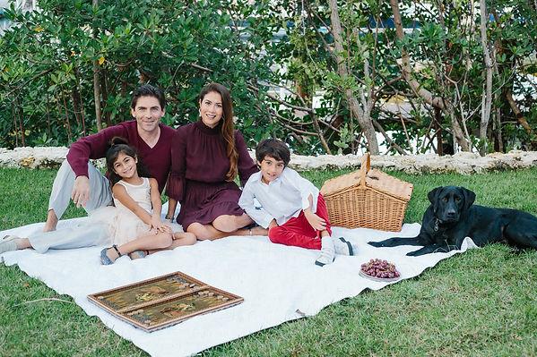 Family Picnic Photo Miami.jpg