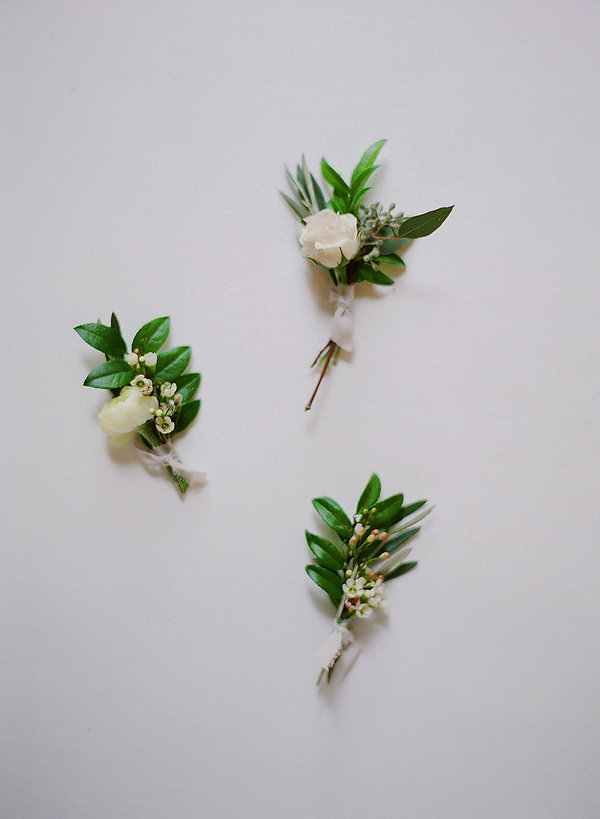 Flower pins for wedding