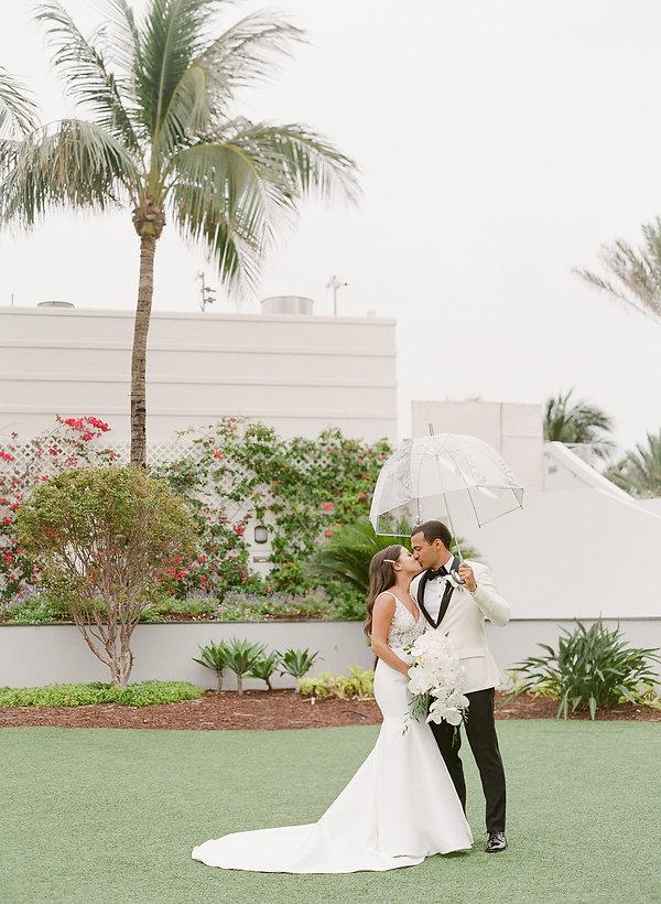 TROPICAL WEDDING AT THE EDEN ROC HOTEL