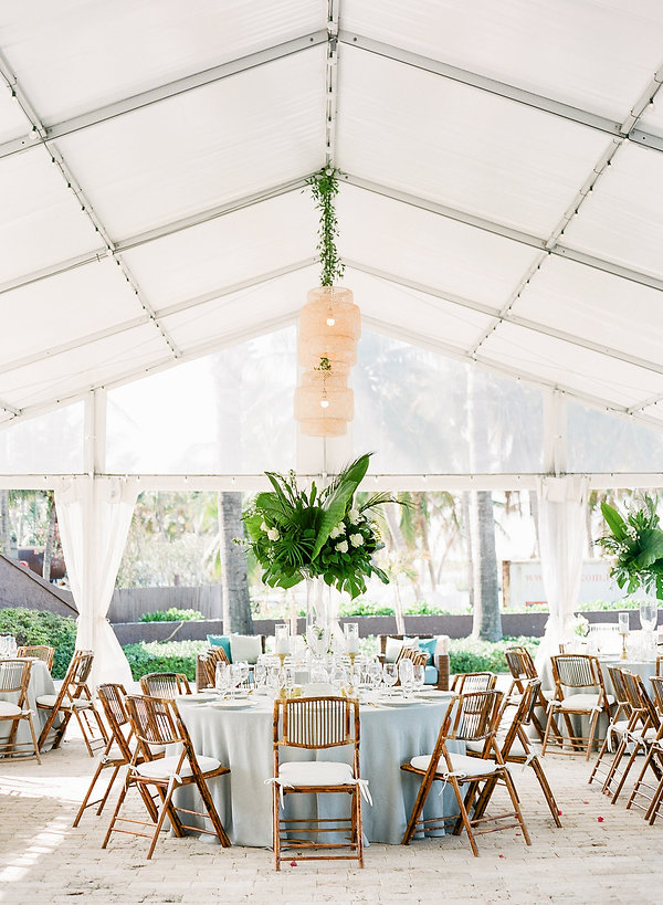 Table setting ideas for bahamas weddings