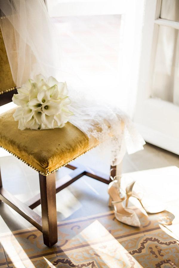 gorgeous wedding details in villa woodbi