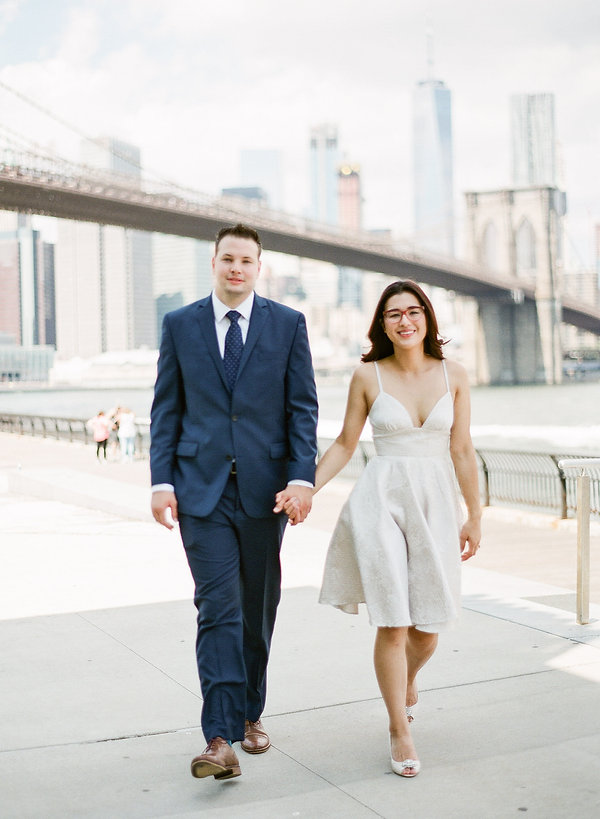 Beautiful brooklyn bridge engagement
