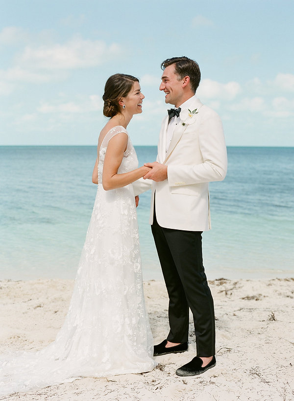 Wedding first look in the Bahamas