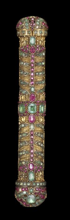 Penbox Turkish, 18th century Gilt metal set with rubies, emeralds, and spinels  image from artemisdreaming.tumblr