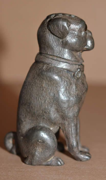 Pug-shaped Pounce pot image from antiquepooch