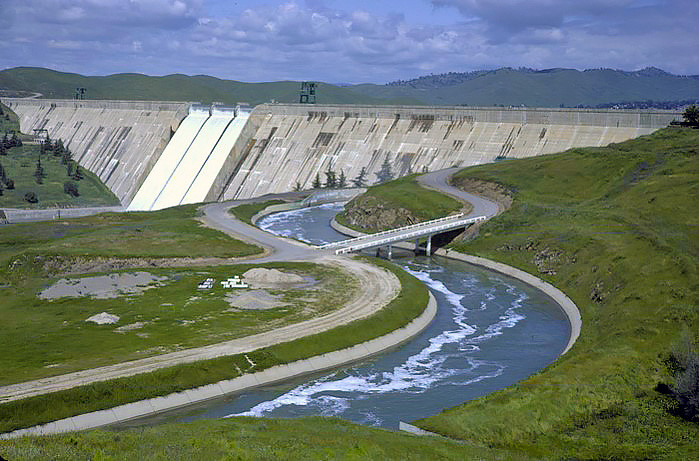 Friant Dam sends irrigation water south through the Friant-Kern Canal, and north through the Madera Canal.