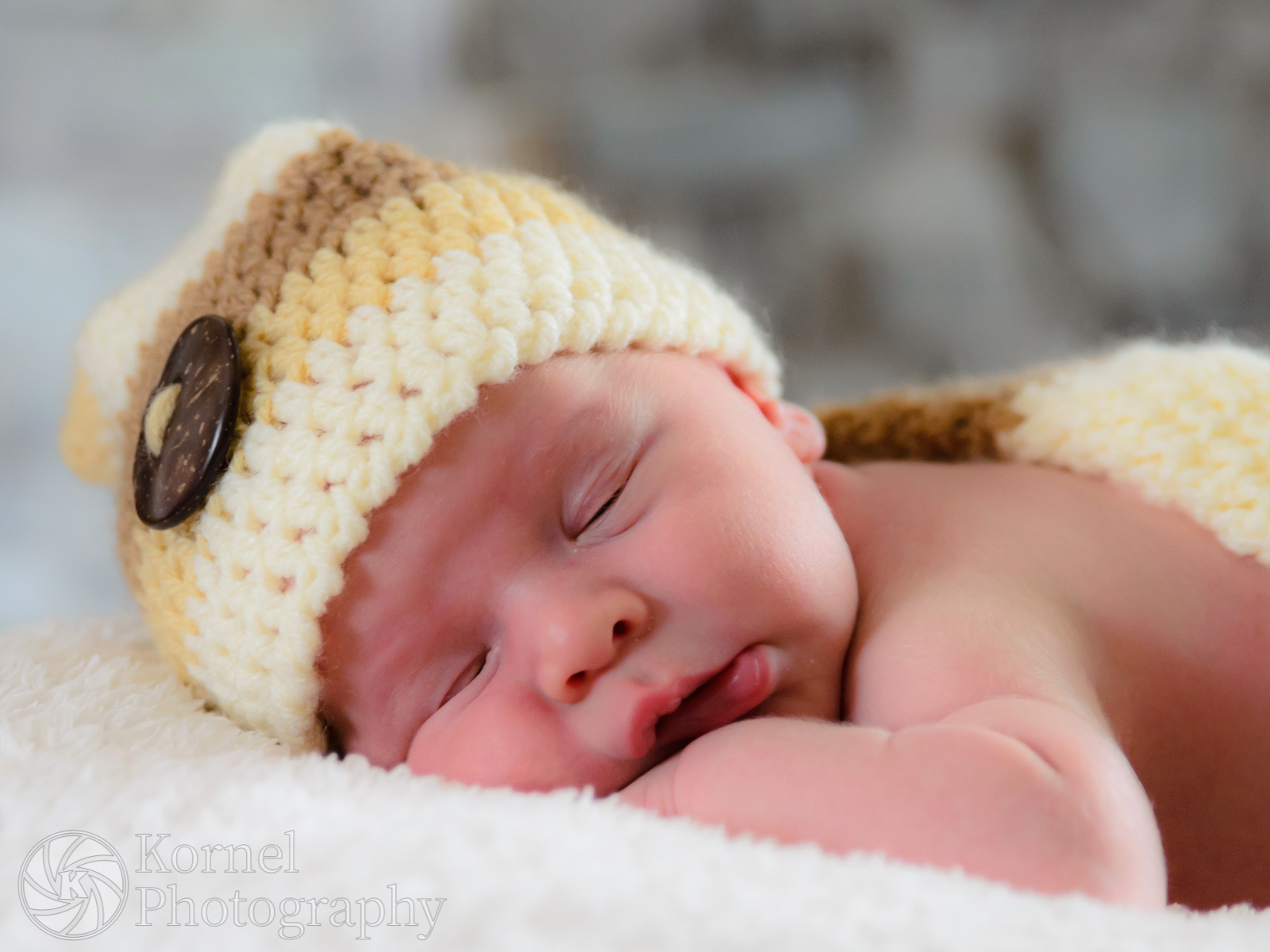 Newborn & maternity by Kornel Photography